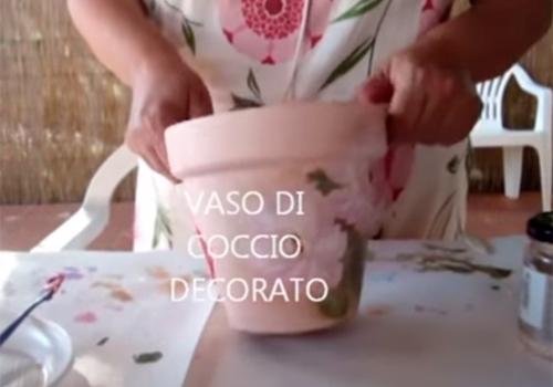 Decoupage su vaso di coccio
